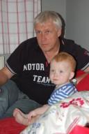 Tom mit Opa
